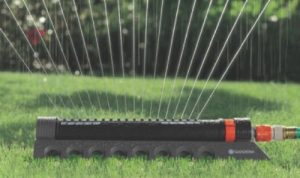 Gardena 34000 Comfort Oscillating Sprinkler with 3900 Square Foot Aqua Zoom