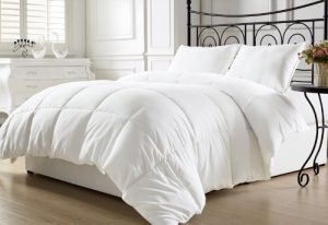 King Linen White Alternative Comforter Duvet