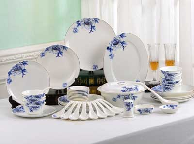 Porlien Chinese Blue Flower Porcelain Best Dinnerware Set-46 Pieces & Top 10 Best Dinnerware Set in 2018 - Corelle Dinnerware Set