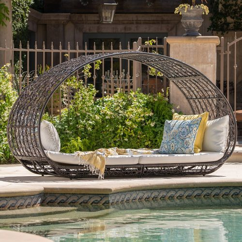 Bedford Outdoor Wicker Overhead
