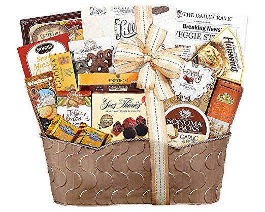 5. Wine Country Connoisseur Gift Basket