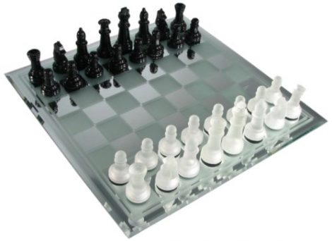 Avant-Garde-glass-chess-sets
